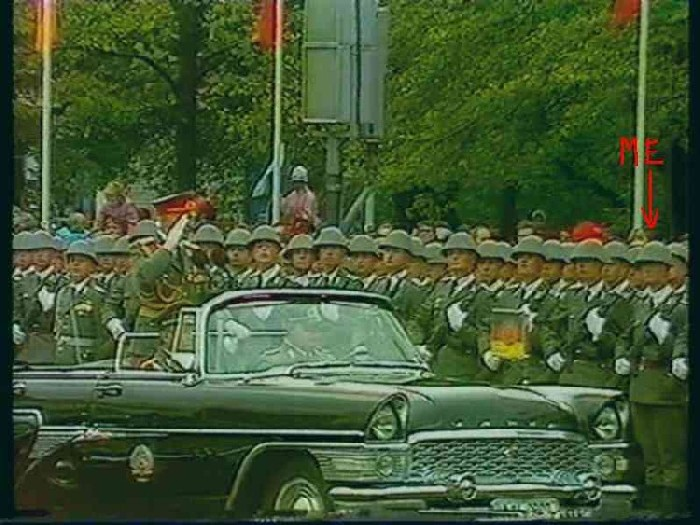 parade89-025a.jpg